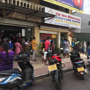 Main Towns See Massive Crowds As Govt Relaxes Travel Restrictions: Opposition Demands Stronger Regulation