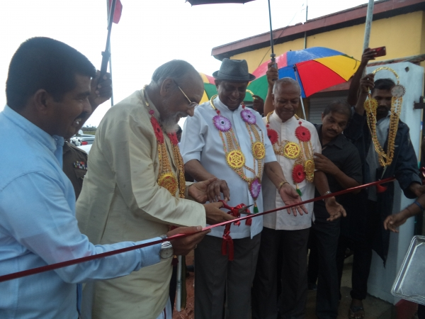 Tourism Infrastructure Development Drive In North : Wiggie And John Open Tourist Comfort Centres At Talaimannar