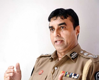 Police Chief Pujith Jayasundara Files Fundamental Rights Petition Seeking Interim Order Preventing President Sirisena From Firing Him