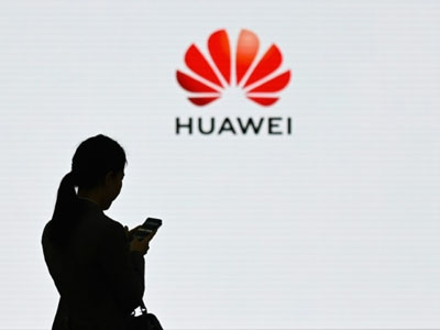 Huawei overtakes Samsung as top smartphone seller in the world