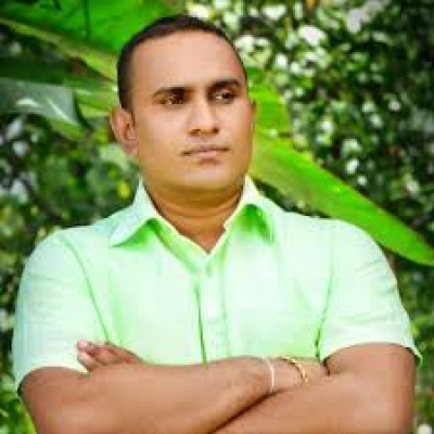 Police Officer Of Narcotic Division Assaulted By UNP MP Chaminda Wijesiri