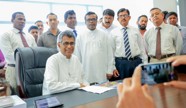 Champika Goes Back To Ministry And Reclaims His Chair: Instructs Officials To Continue With Current Projects