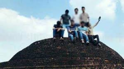 Eight Students Who Took Photographs On Top Of Ancient Kiralagala Sthupa Remanded Till February 05