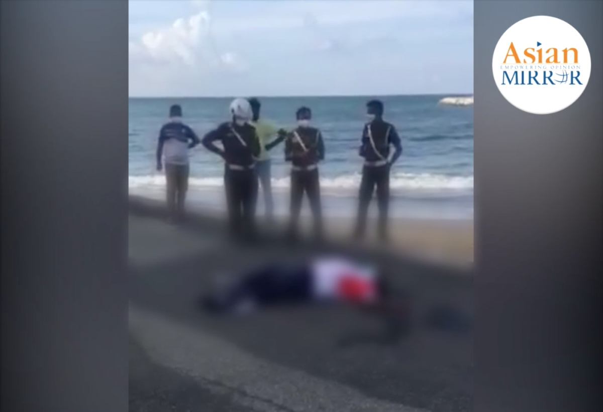 [VIDEO] Kollupitiya Police Crime OIC Dies Suddenly While Exercising At Galle Face Green