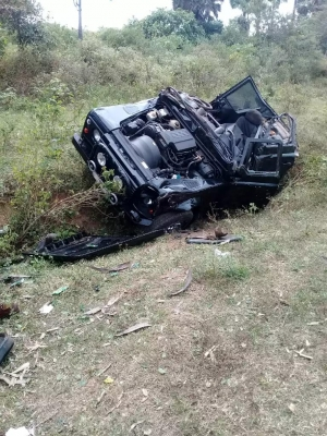 Military Vehicle Veers Off Road In Mullaitivu: Two Army Officers Die And Four Others Sustain Injuries