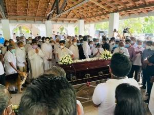 PHOTOS: Final Rites Of R. Rajamahendran Performed At Borella Cemetery