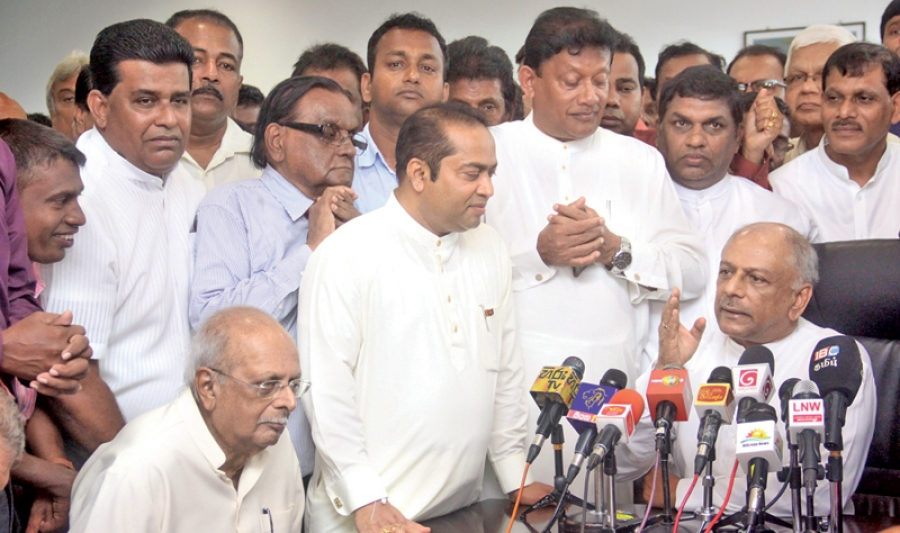 Leftist Parties In UPFA Keen On Pushing Dinesh Gunawardena As Their Presidential Candidate: Crucial Meeting This Evening